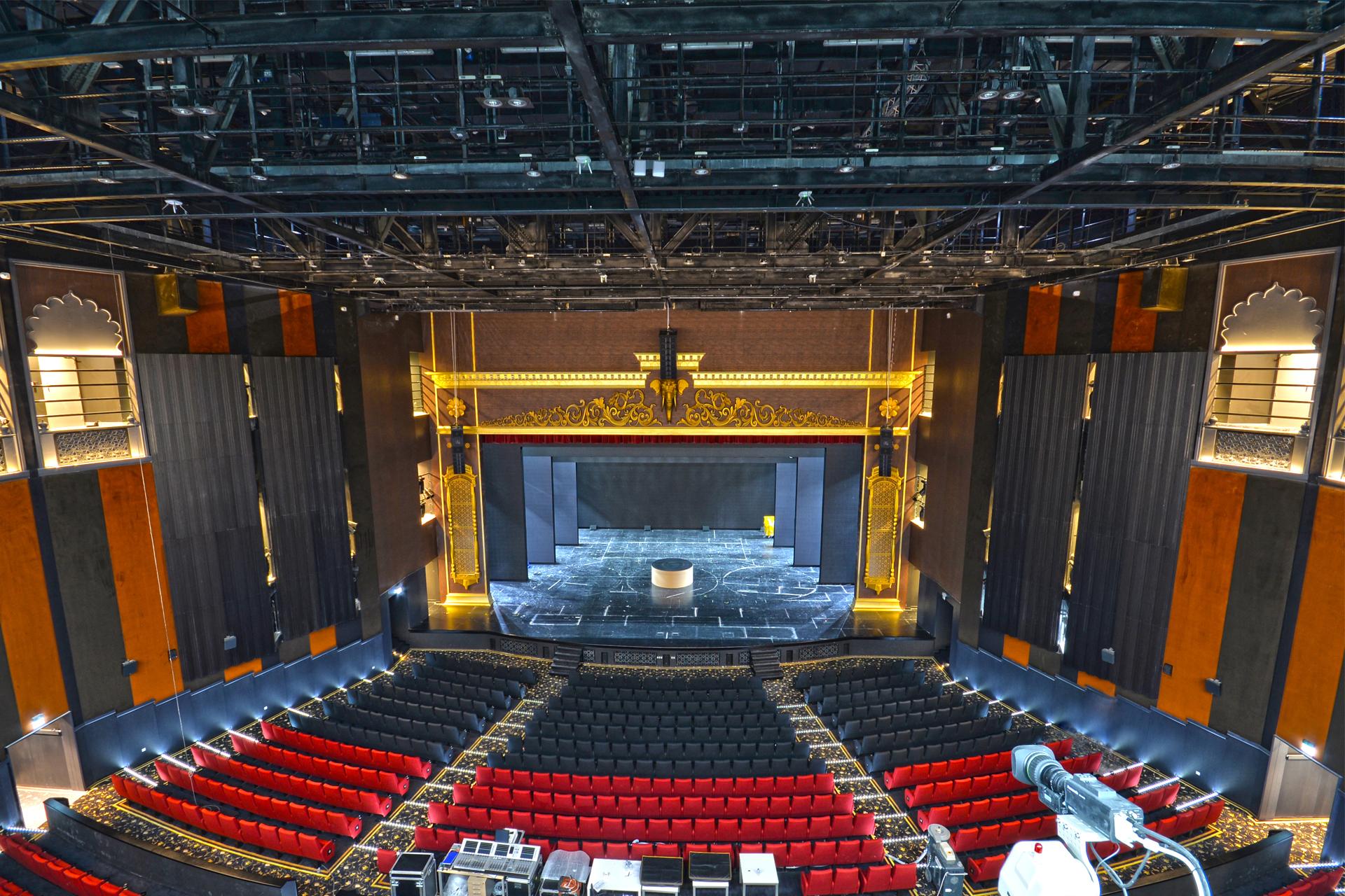 Rajmahal theatre dubai uae for Hispano international decor llc abu dhabi